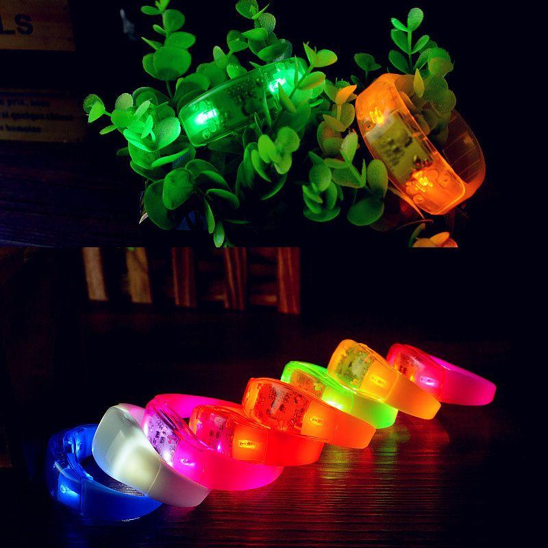 Müzik Aktif Ses Kontrolü Yanıp Sönen Led Bilezik Işık Kadar Bileklik Bileklik Kulübü Parti Bar Cheer Aydınlık El Yüzük Glow Stick OTH662