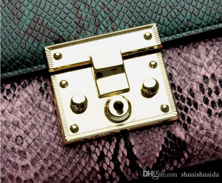 Schlangenmuster. Rindleder. Klein. Neues Muster. Echtleder. Metallkette. Damentaschen. Mode lässig Tasche. Cross Body.Shoulder Taschen. Weich.