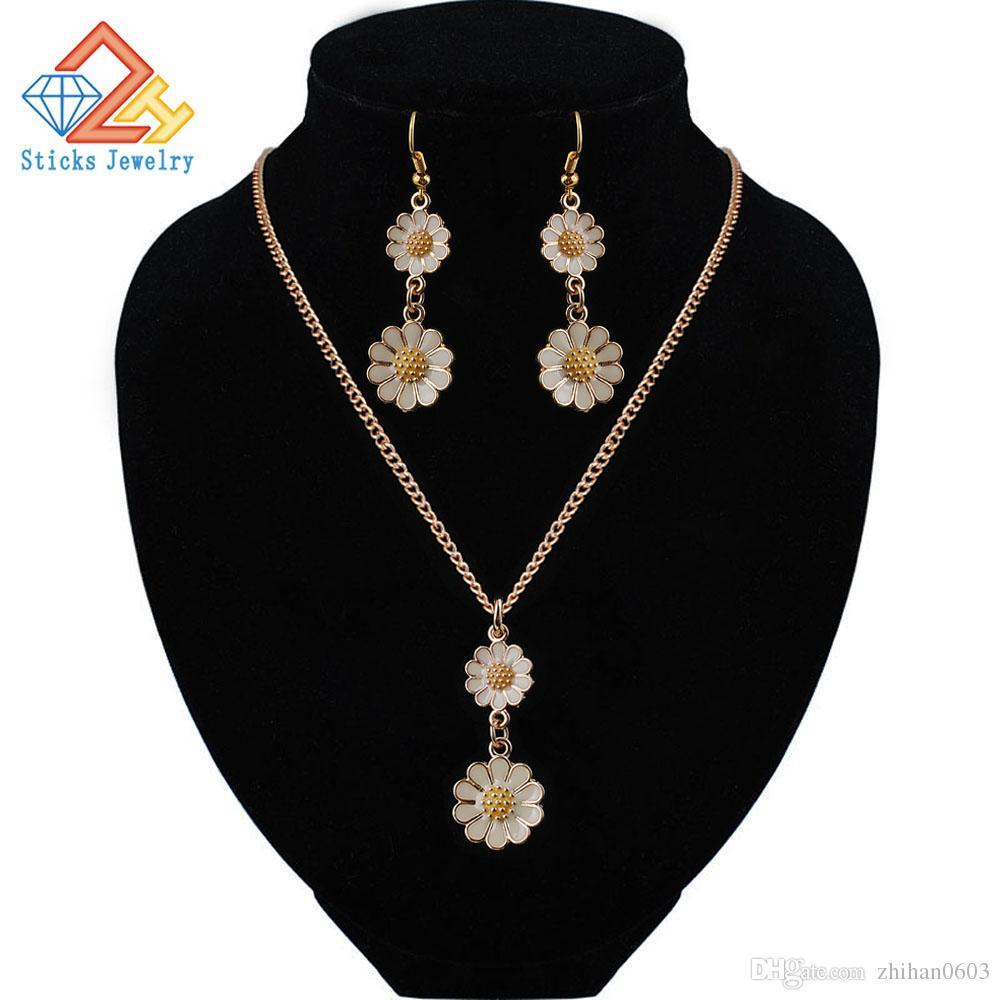La collana del doppio fiore della collana della collana della collana della collana delle donne Charms Choker Choker Collanos Collor Crocker Femme Bib Boho Chocker