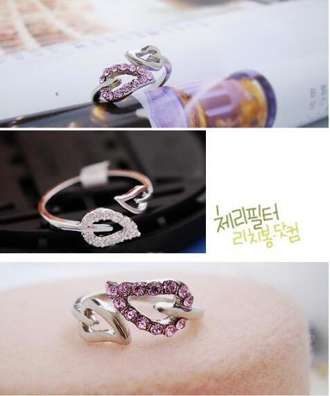 Único anillo de dedo plateado de plata brillante Brillo Cristal Amor Hoja Hoja Anillos Gilrs Mujeres Partido Joyería Envío Gratis