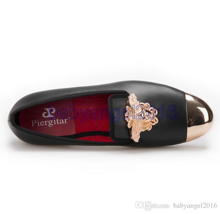 neue Mode-Design helles Gesicht Schnalle und Gold-Metall-toe Männer echte Leder-Schuhe Männer beiläufige Ebene des Partei-Hochzeit Männer Loafers