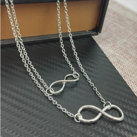 Doble magnífica Lucky 8 collares para las mujeres plateadas plata de oro de múltiples capas Lucky Ocho pendientes de la moda regalos de la joyería Gargantillas Collares