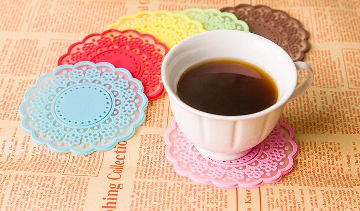 Kitchen Accessories New Creative Style Novelty Items Semi Transparent Hollow Out Round Lace Cup Mat Coaster