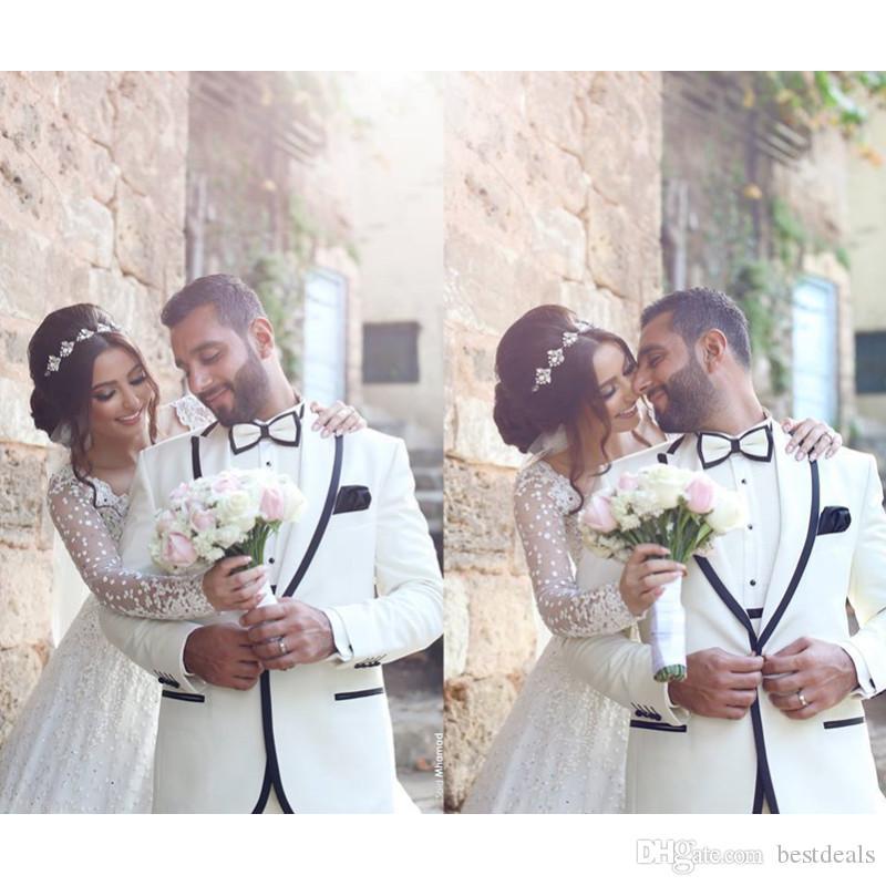 Romantik 2017 Uzun Kollu Dantel Balo Gelinlik Aplikler Ruffles Düğün Gelinlikler Vestido de Noiva