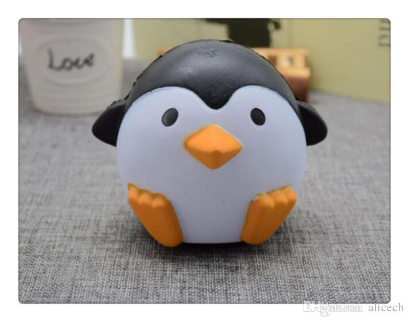 PU Male and female Antarctic penguins Jumbo Squishy Slow Rising Pendant Phone Straps Charms Queeze Kid Toys Cute squishies Bread