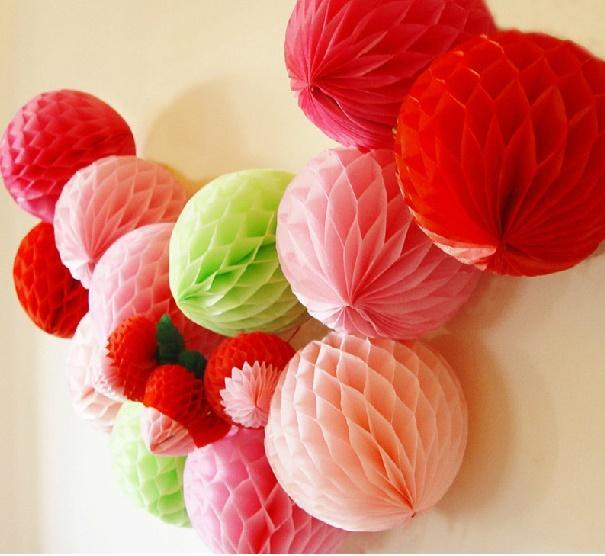 Hot selling Wedding favors Honeycomb Balls Hanging Decor Flowers Party Honeycomb Balls Paper honeycomb ball manufacturer supplies