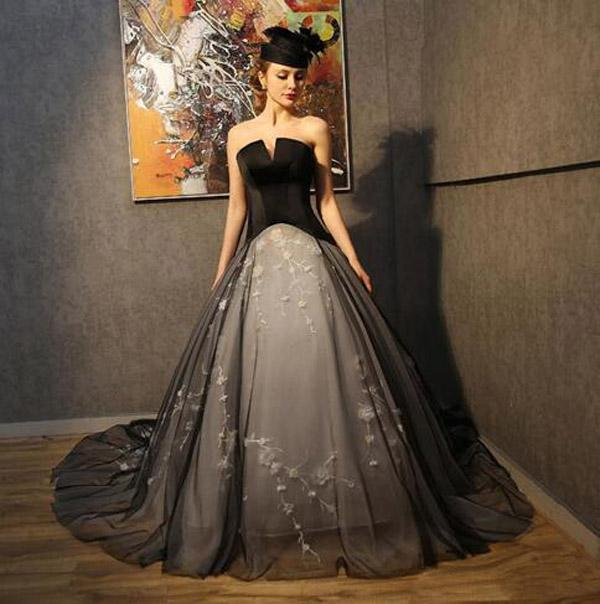 Gothic Wedding Dresses Custom Color Black Light Champagne Corset Back Bridal Gowns Sweetheart Sleeveless Puffy Ball Gown Tulle Dress Flowers