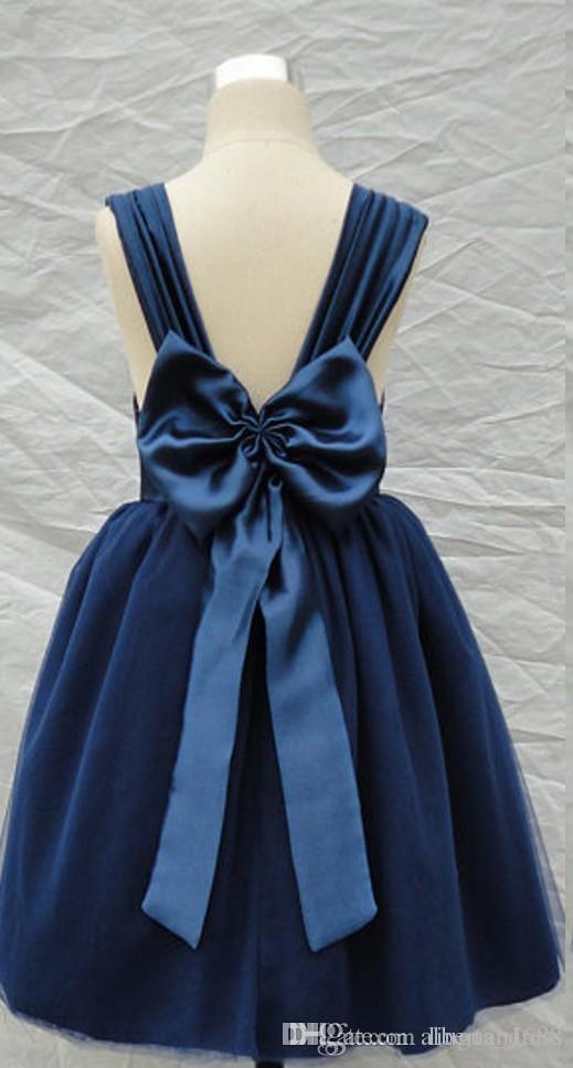 2017 Marine Bleu Fille De Fleur Robes Une Ligne Bretelles Dos Nu Grand Arc Thé Longueur Robe Enfants pour le Mariage halloween costumes robes nouvelle conception