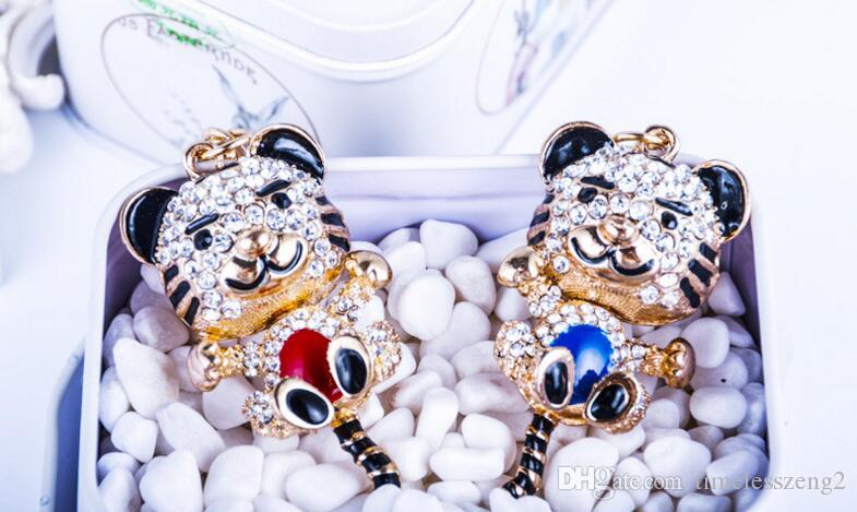 Llavero de la forma del tigre del zodiaco chino Diamante llavero de metal de goteo de aceite de leopardo Llavero creativo accesorios de moda colgante