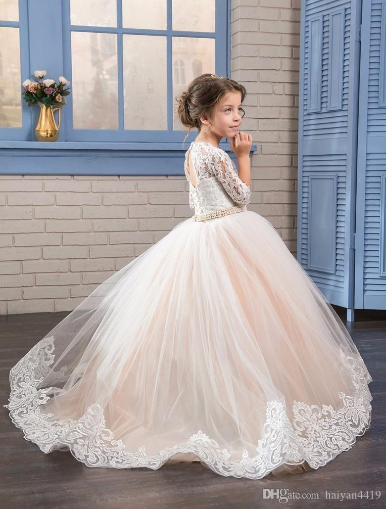 2017 New Cheap Flower Girls Dresses Jewel Neck Half Sleeves Lace Appliques Long Sweep Train Birthday Communion Children Girl Pageant Gowns