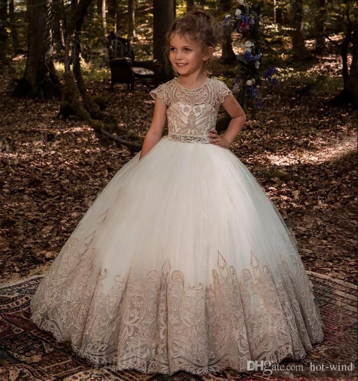 Güzel Jewel Boyun Cap Kollu Küçük Çiçek Kız Elbise 2020 Dantel Aplikler Düğmeler Geri Balo Organze Kızlar Pageant Gençler Için Giymek
