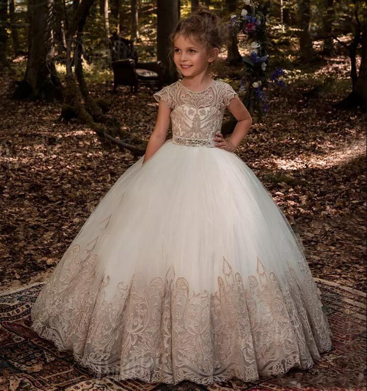 Linda Jóia Pescoço Cap Mangas Little Girl Flower Dresses 2020 Lace Apliques Botões Voltar vestido de Baile Organza Meninas Pageant Desgaste Para Adolescentes