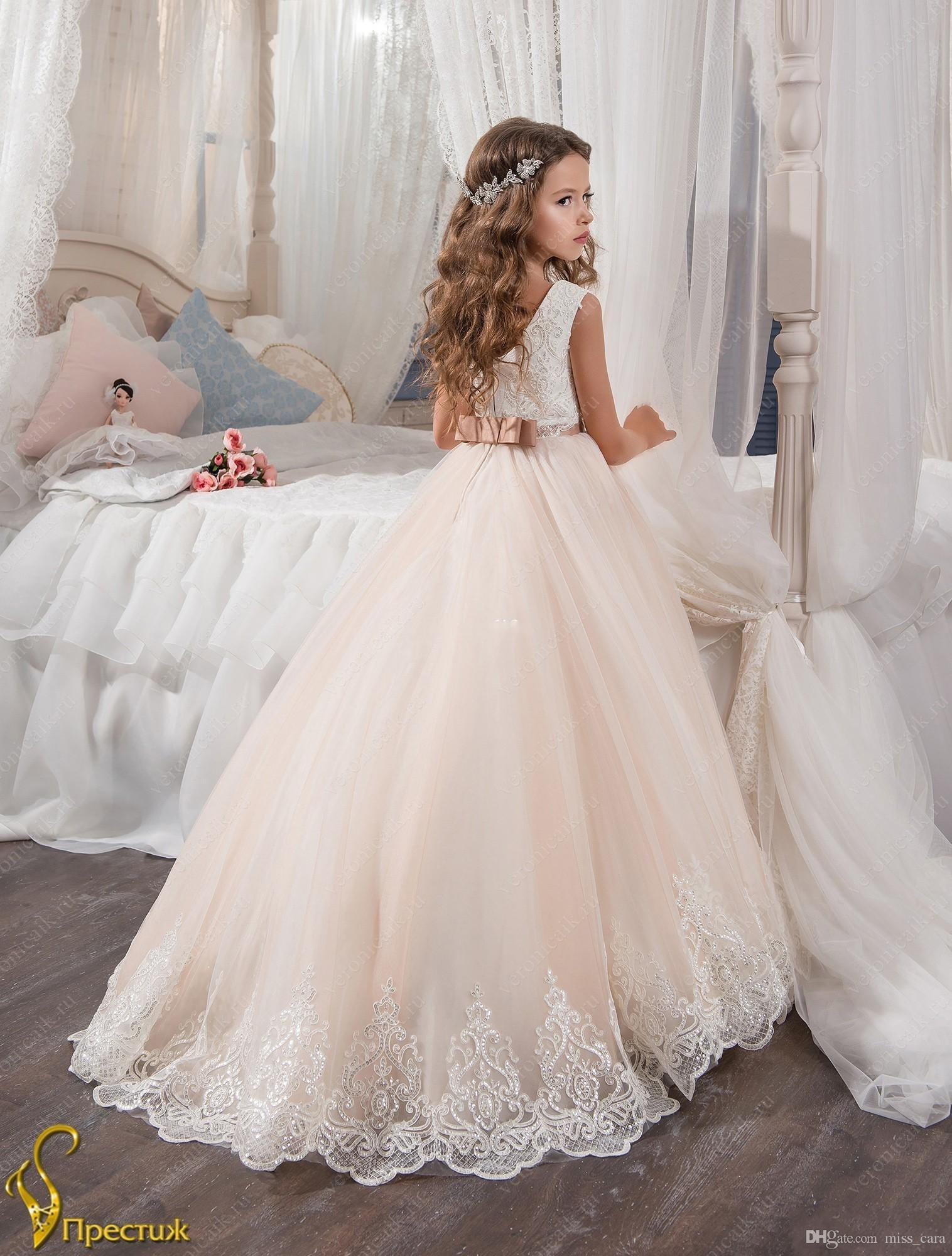 2017 Vintage Flower Girl Dresses for Wedding Blush Pink Princess Tutu Sequined Appliqued Lace Bow Child First Communion Dress Custom Made