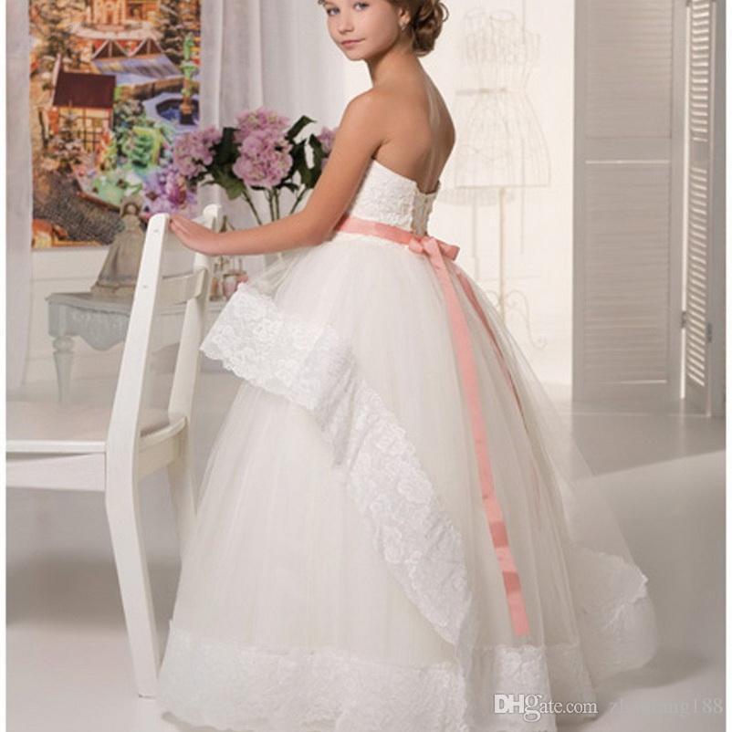 2019 Novo Barato Lace Flower Girl Dresses Para Casamentos Halter Branco Marfim Frisado Sash Floor Comprimento Primeira Comunhão Vestidos Para Meninas