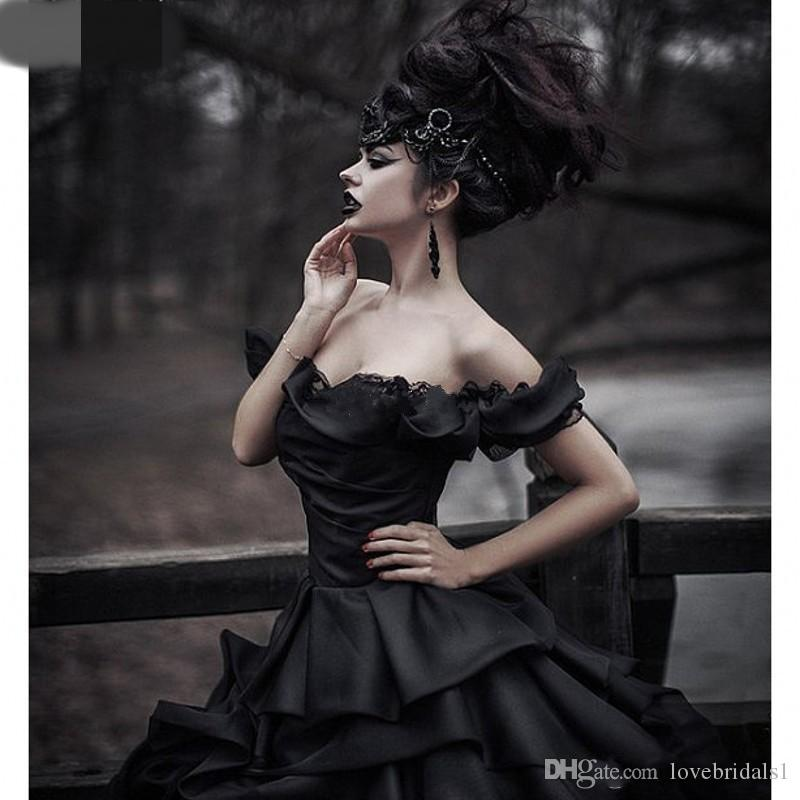 2017 Off Shoulder Black Gothic ball gown Wedding Dresses Tiered Pleat Lace Victorian Bridal Gowns Plus Size Corset Back robe de mariage