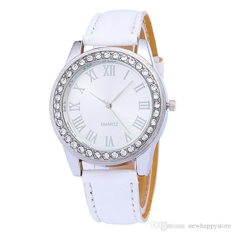 da37da56eb7 Compre Luxo Genebra Relógios De Cristal Algarismos Romanos Relógio De Pulso  Do Falso Couro Colorido 10 Cores Doces De Quartzo Relógios Casuais Para  Homens ...