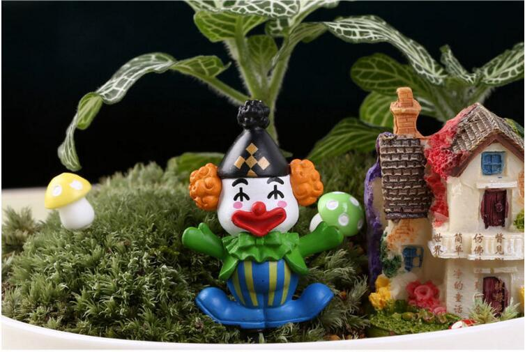 Christmas Clown Cartoon Figurines Toy DIY Insects Terrarium Micro Landscape DIY Garden Succulents Terrarium Home Tree Decorations