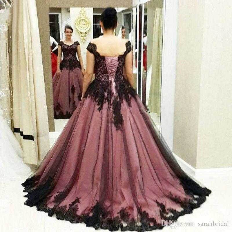 Pas cher Plus Size manches courtes vintage de partie de dentelle victorienne médiévale gothique pourpre robes de mariée robes de mariée bal Lacets