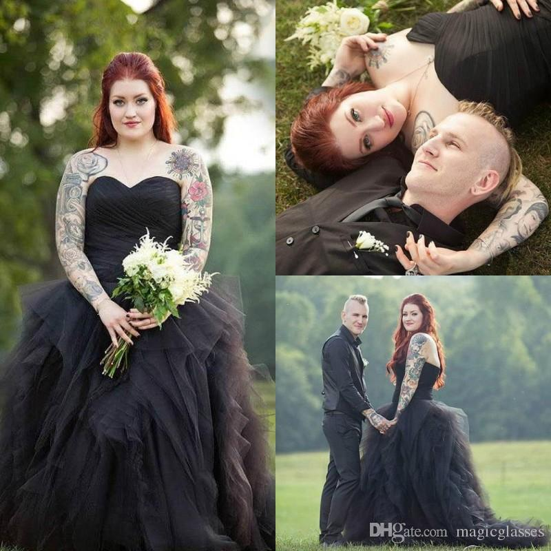 Vintage Ball Gown Princess Sweetheart Pleat Ruched Plus Size Wedding Dresses  Long Black Gothic Country Bridal Wedding Gowns Robe De Mariage Formal  Dresses ... 9bc8d92e0b99
