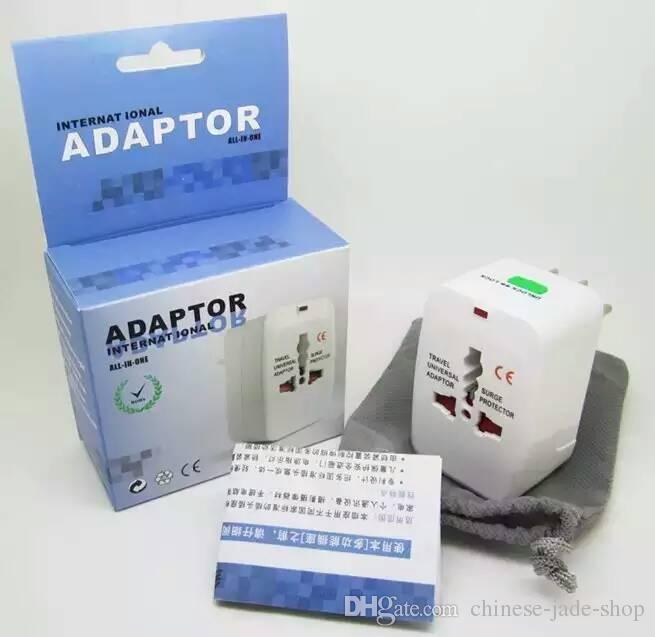 Adaptateur universel tout-en-un chargeur de voyage universel / AU / UK / US / EU Plug dans le paquet de détail /