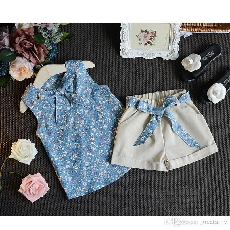 Yaz Bebek Kız Setleri Çiçek Baskılı Kolsuz Yay Jartiyer Tişört Tops + Katı Renk Şort 2 adet Çocuk Giysileri Uygun ücretsiz nakliye