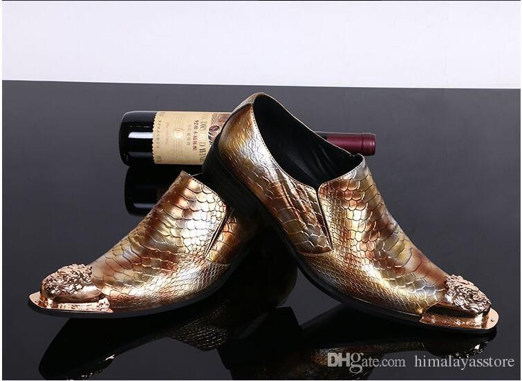 Affaires nouvelles d'or hommes d'arrivée Fashion Style Robe Chaussures pour hommes Glissement véritable Oxfords Chaussures en cuir