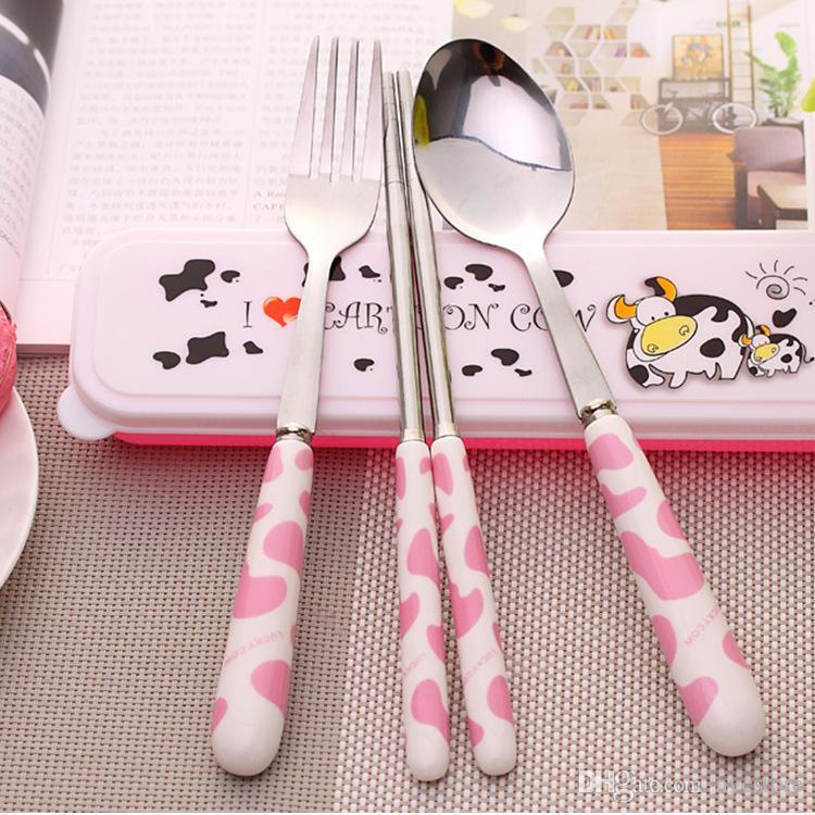 Vajilla de viaje de acero inoxidable de dibujos animados DHL set hello gatito palillos de vaca cuchara tenedor portátil de tres piezas niños de cerámica niños vajilla