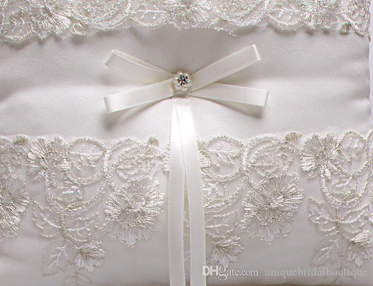 2019 New Wedding Ring Pillows Beige Satin & Lace Ring Bearer Pillows for Wedding Anniversary 21cm*21cm Custom Made