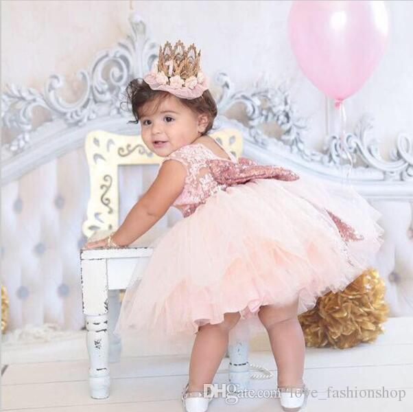Vendita al dettaglio Neonate Paillettes Grandi bowknot Abiti da principessa Bambini Senza maniche senza schienale in pizzo Prom Party Abiti da sposa Abiti bambini Abbigliamento