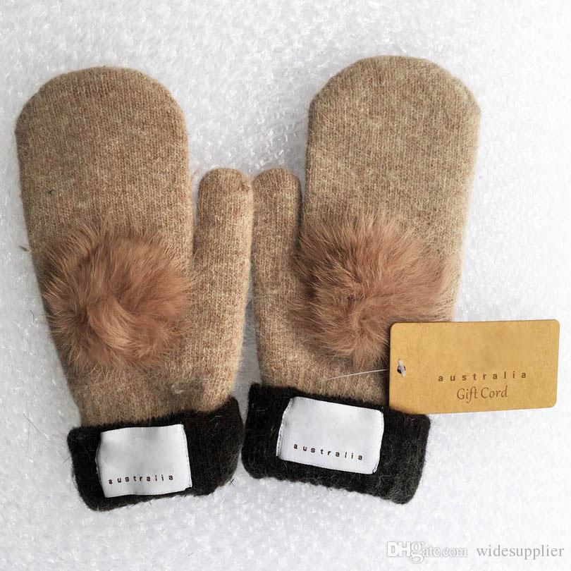 Gants de marque pour femmes mode pour hiver et automne gants de mitaines en cachemire avec une belle balle de fourrure sport en plein air chaud gants d'hiver