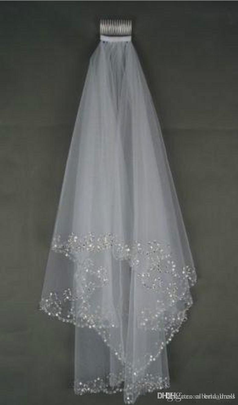 2019 Em estoque Véus De Noiva Cristais 2-Camada Handmade Crescent Edge Acessórios De Noiva Branco e Marfim Véus De Noiva Contas Com Pente