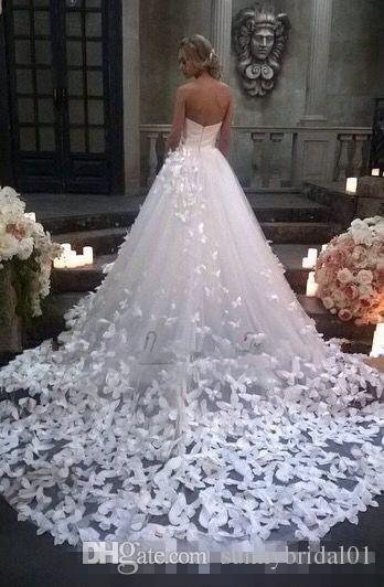 Plus Size 2019 Prinzessin Brautkleider mit Blumen und Schmetterlingen in Kathedrale Zug arabischen Nahen Osten Church Garden Brautkleid