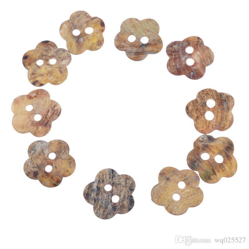 Toptan Plaj renk Beş petal Erik çiçeği şekli 2 delik düğmesi dikiş Kabuk düğmeleri dikiş kavramları araçları DIY takı aksesuar # 00321 #