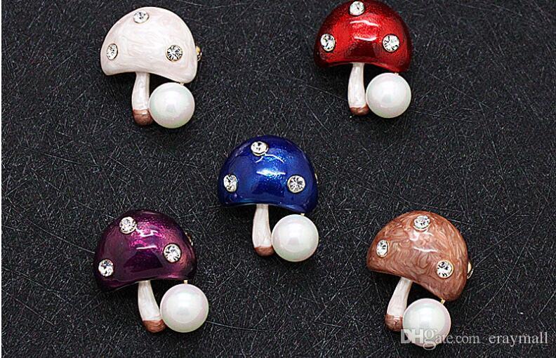 Kleine Pilz Broschen Pins hochwertige natürliche Perle Kristall Strass Brosche Pin Corsage niedlichen Farben Schals Zubehör Geschenke