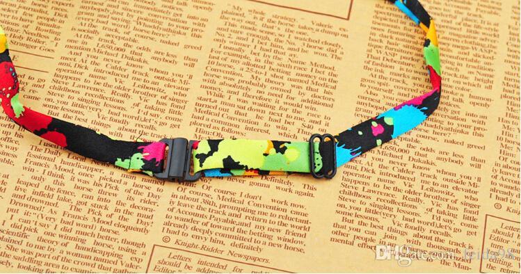 Vente chaude Livraison gratuite chien animal chat noeud papillon cravate collier mélangé couleur différente