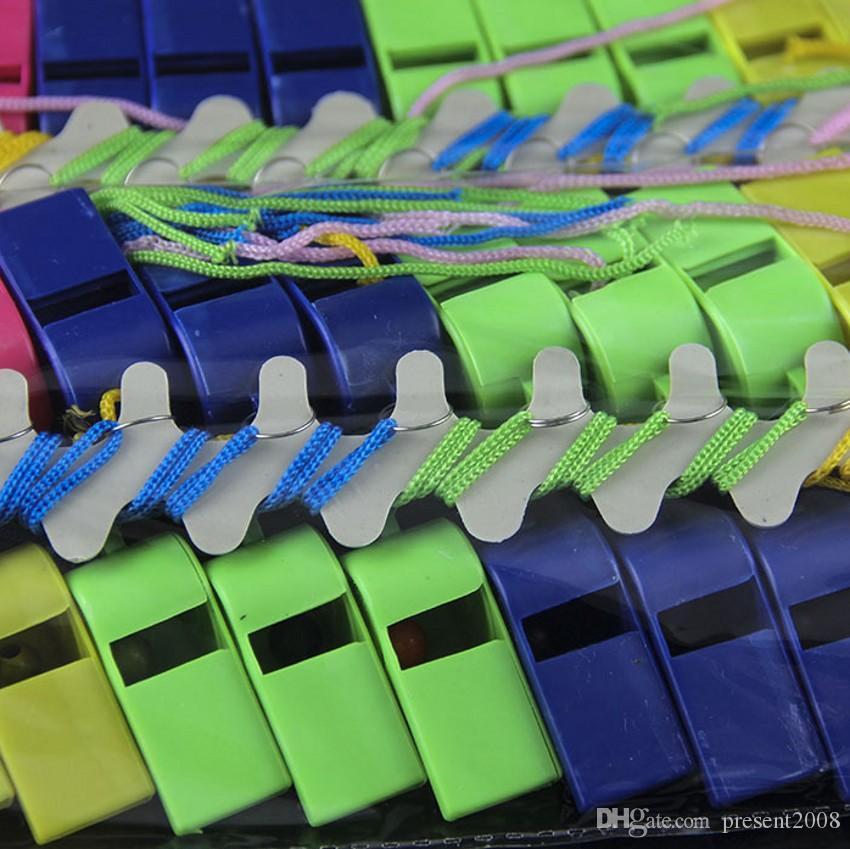 Chegada nova Copa Do Mundo Cheerleading Apito De Plástico Com Cordão