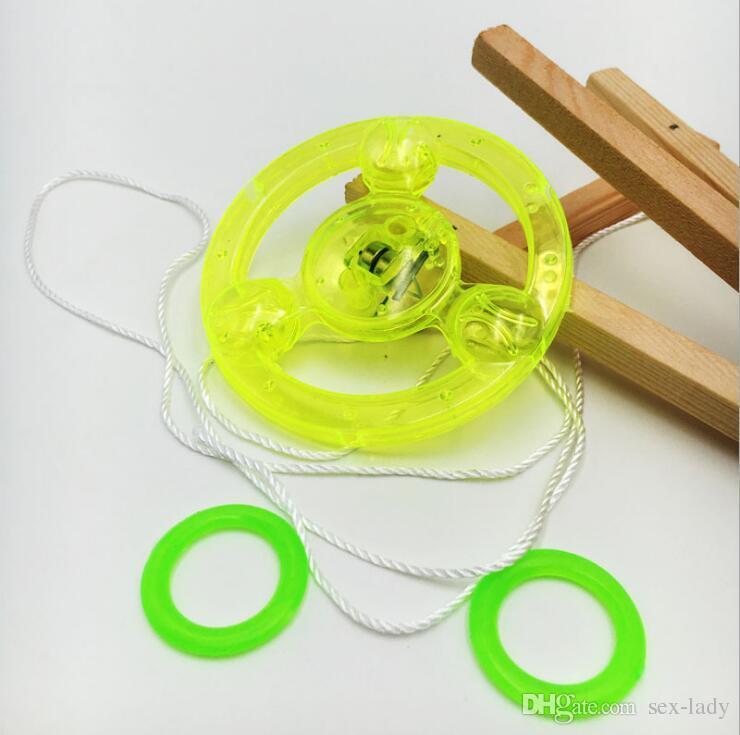 Günstige Led Zappeln Spinner für Kinder Led Spielzeug Sound beleuchtete UFO Pull Licht emittierende Schwungrad Flash Top Hand fliegende Untertasse Spinning Spielzeug Geschenke
