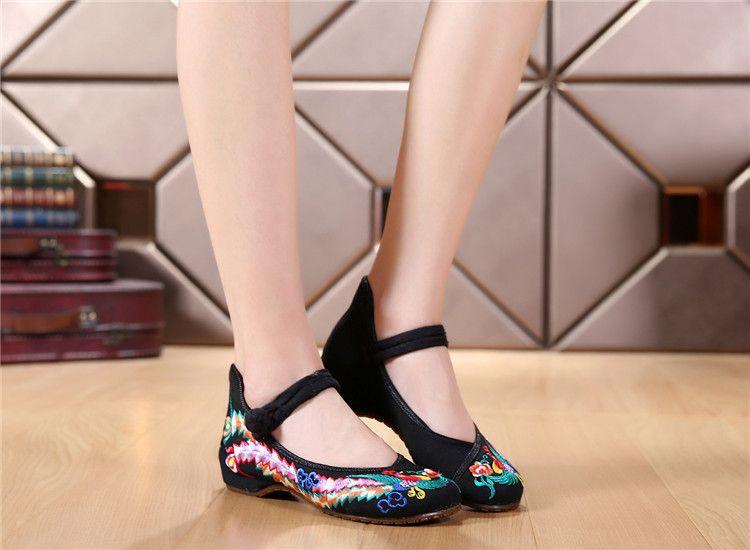 Moda Scarpe donna Old Beijing Mary Jane Flats Scarpe casual Scarpe in stoffa ricamate stile cinese donna