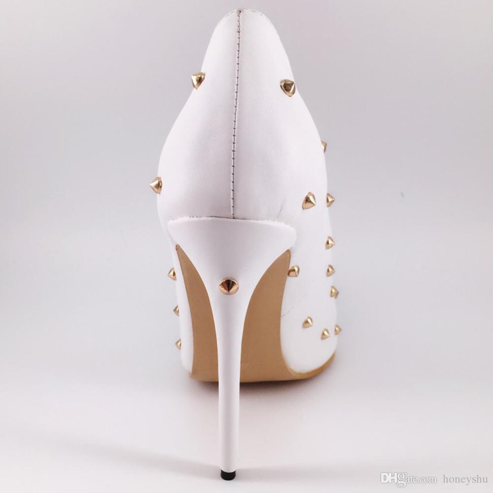 Kolnoo para mujer hecho a mano clásico tachonado bombas de tacón alto con remaches punta puntiaguda estilete zapatos de baile blanco XD351