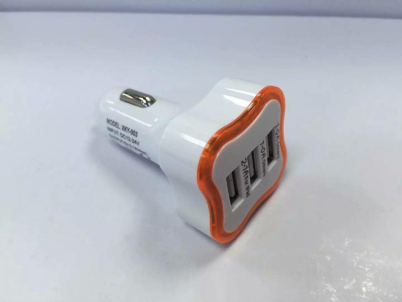Luz LED Plum Blossom 2 USB 1.A 3 USB 2.6A Cargador de coche Adaptador de corriente portátil / Two KIND