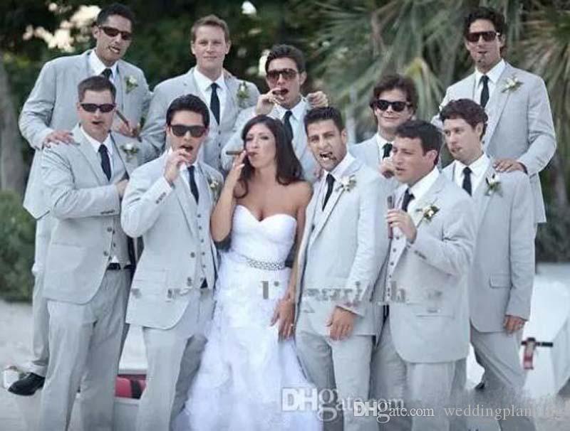 Costumes d'été pour hommes Costumes de plage en lin gris Encolure en revers de mariage tuxedos costumes slim fit Veste + Pantalon + Gilet + Cravate Free Shiping