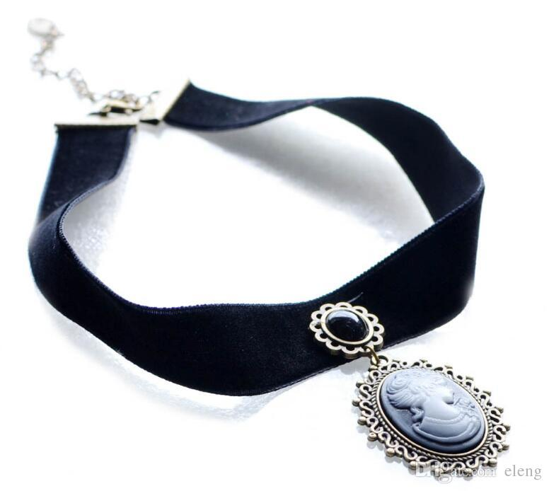 2018 Fashion Vintage Black Bud silk Necklace Women Pendant necklace Pendants choker Burlesque Cosplay Jewelly 344