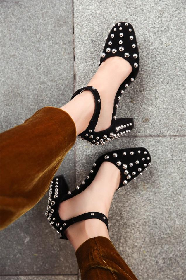 New arrival Hot Selling Square toe sandals Sheepskin rivet star style Chunky Thick with high-heeled shoes high quality