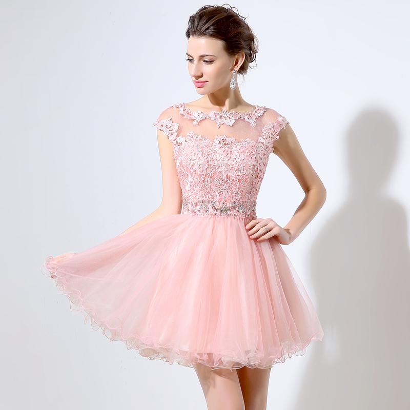 かわいいピンクのショートウエディングドレス安いAラインミニチュールレースビーズキャップスリーブバトーネック2019ジュニア8年生の帰省ドレスパーティードレス