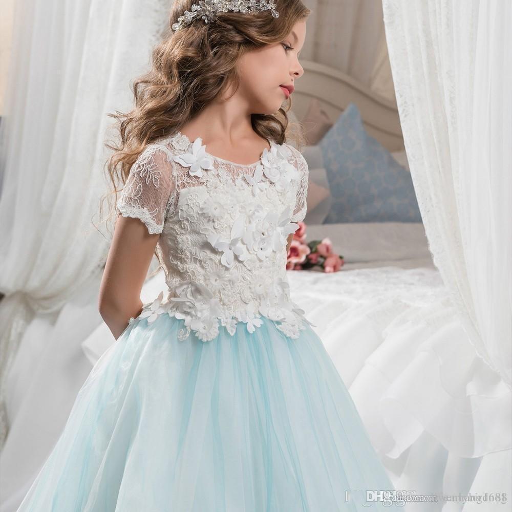 Encantadora pequeña novia de encaje vestidos de niña de flores de manga corta con un lindo tren de barrido de mariposa 2017 para niños Glitz Pageant Prom vestidos de fiesta