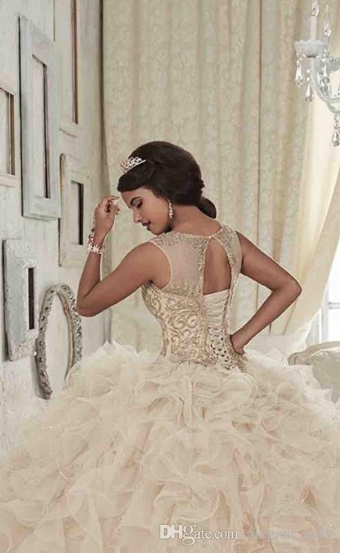 Великолепное шампанское Кристалл Quinceanera Платья Scoop Шея Hollow Back Coeset Пром Платье Многоуровневое Юбки Длина пола Sweet 16 Dress