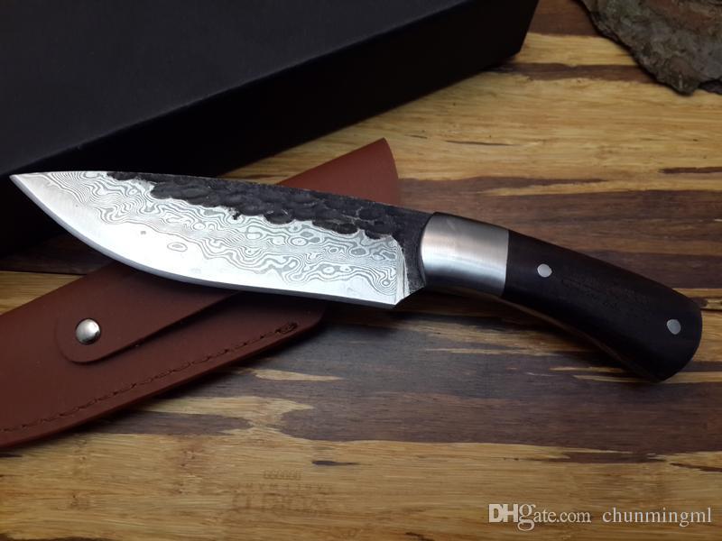 Cuchillo de hoja fijo de alta calidad Nuevo Cuchillo de caza de Damasco forjado hecho a mano de acero de alto carbono Cabeza de acero + herramienta de mango de ébano ébano raro