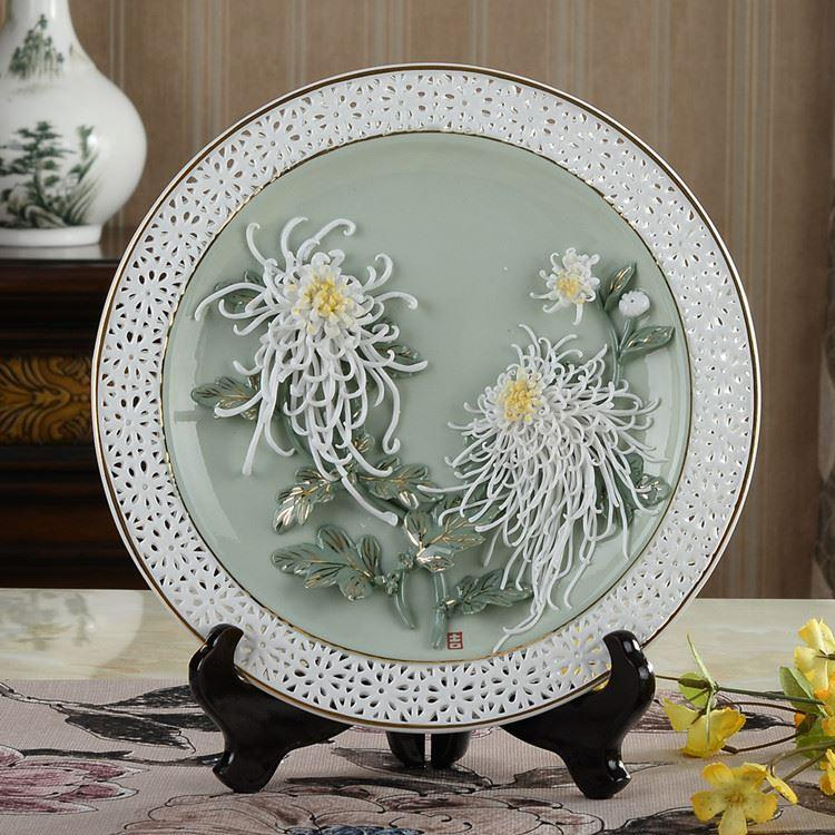 Chinese ceramic decoration art creative peony hanging plate filled living room decorative gift Home Furnishing disc bracket