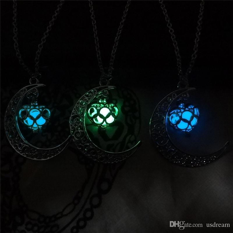 Glow in the Dark moon Heart Pendant Diffuser Necklace Noctilucence Locket Necklaces Fashion Jewlery for Women Gift DROP SHIP 162397