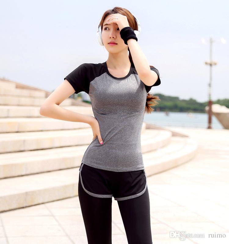 Spor spor takım elbise kadınlar göstermek ince hızlı kuru koşu yoga giysi kısa kollu sahte pantolon iki takım